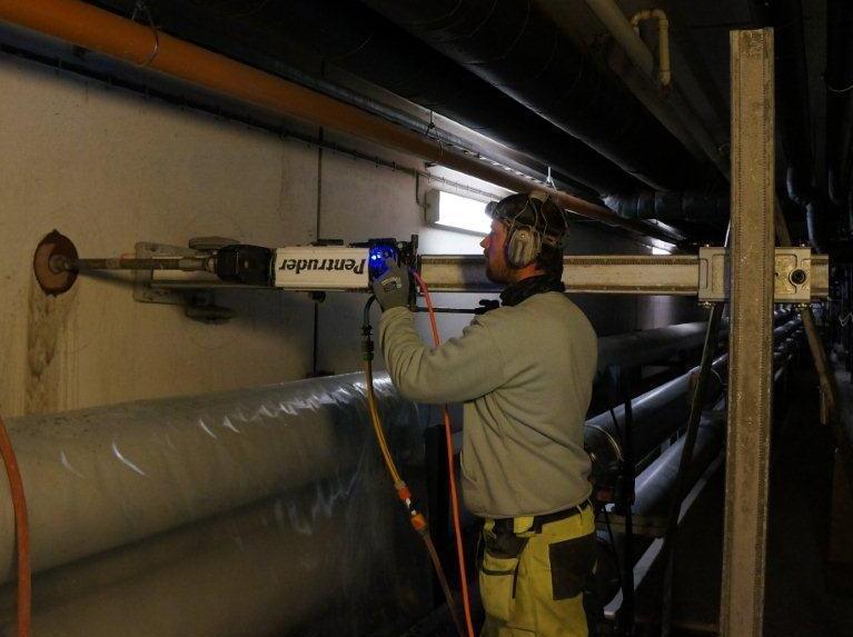 Сверление отверстий Ø 500 мм на глубину 2.5 м